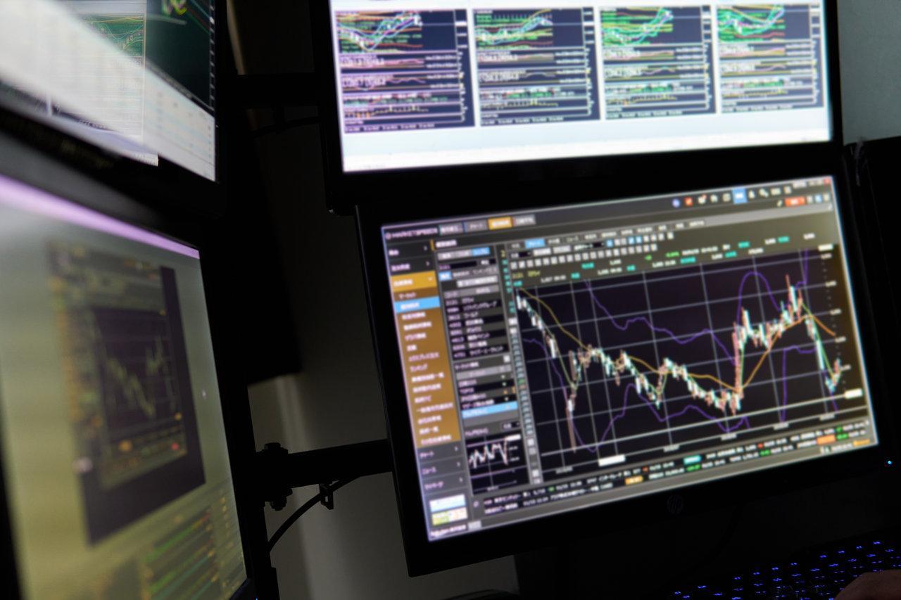 株式とFXの取引チャート